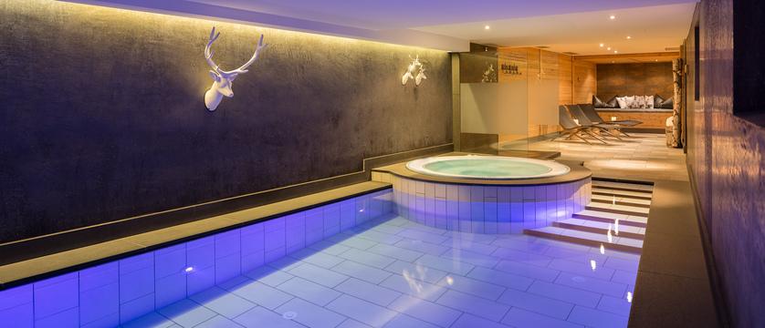 italy_dolomites_selva_hotel-somont_indoor-pool.jpg